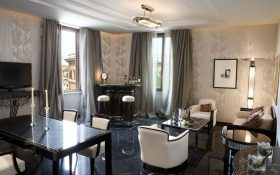 Living room of the Regina Suite of the  Baglioni Hotel Regina in Rome