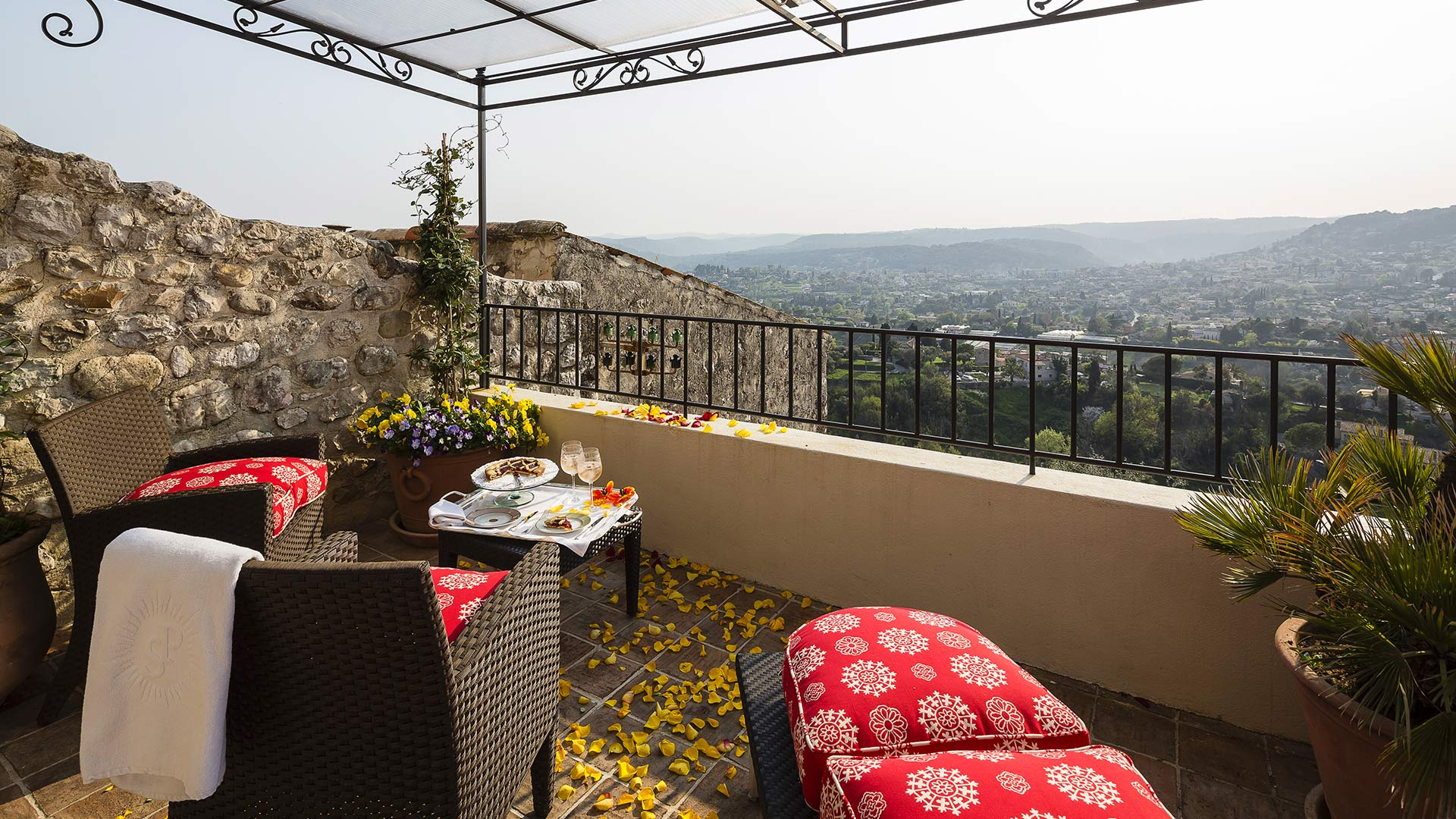 Balcony overlooking the village Hotel Le Saint Paul Provence