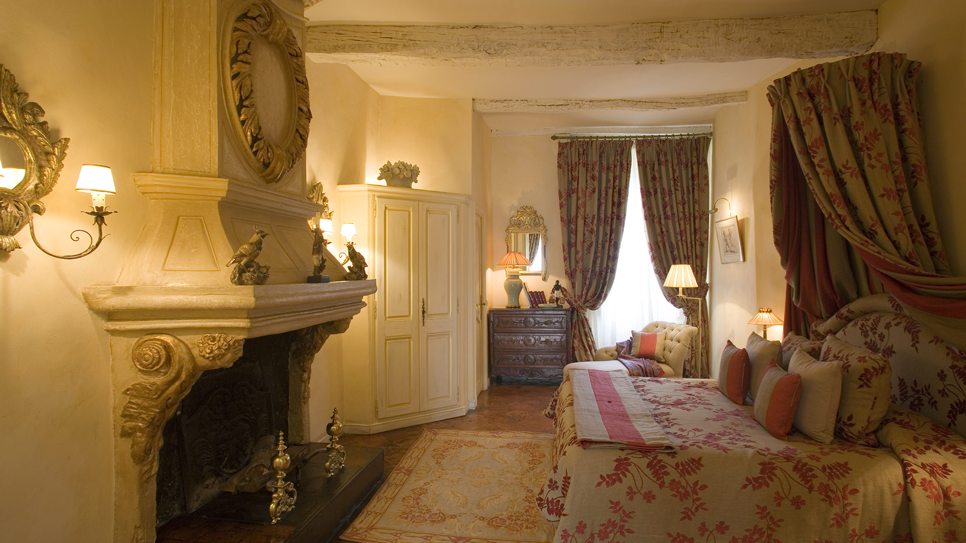 Suite con caminetto Hotel Le Saint Paul Provenza