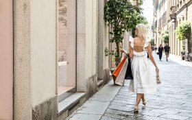 Shopping tour in Milan