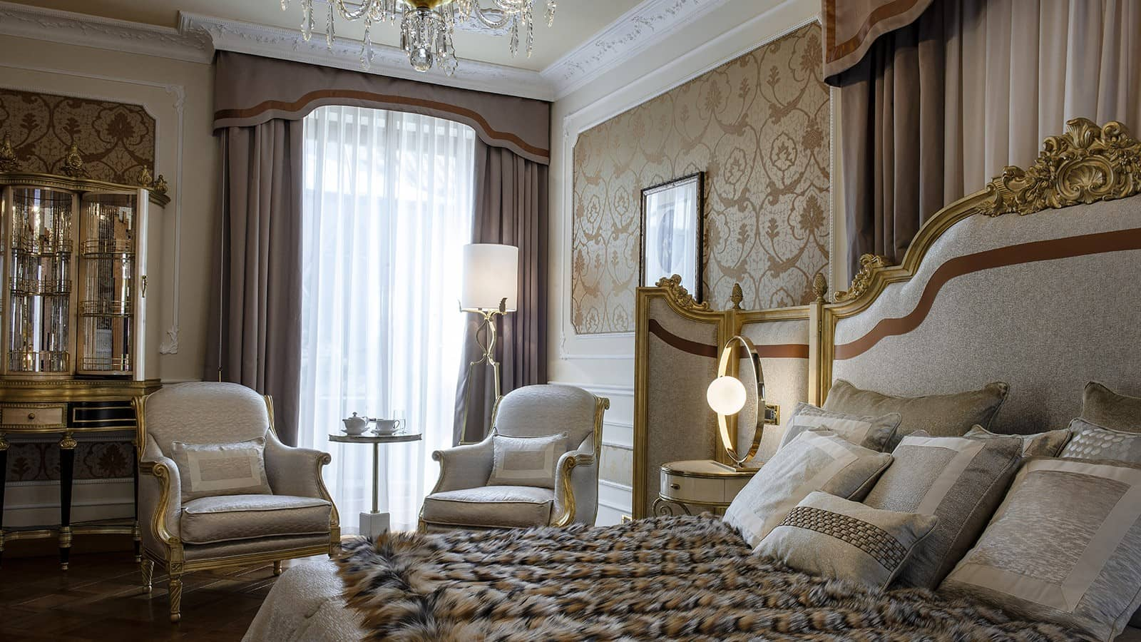New Montenapoleone Suite by Jumbo Collection Baglioni Hotel Carlton Milan