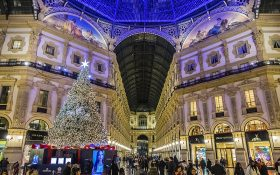 Amazing Christmas tree at the Vittorio Emanuele's Gallery in Milan